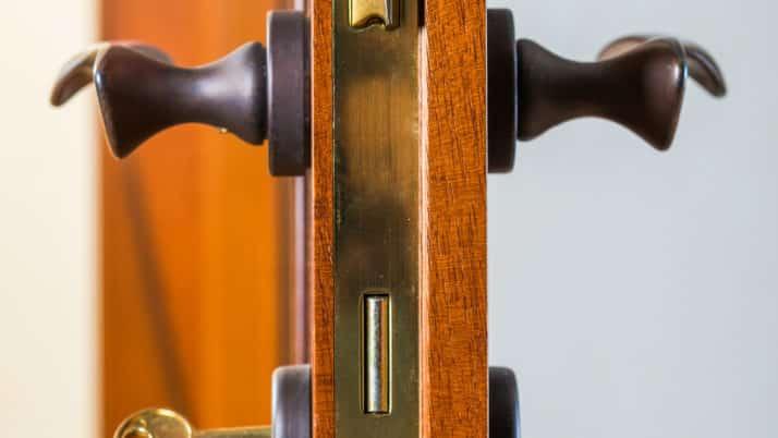Serrure encastrée : la sécurité et l'esthétique pour votre porte